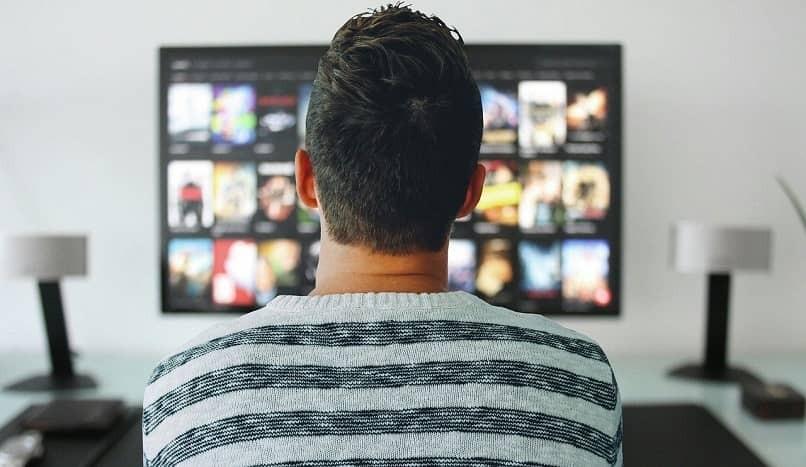 Sehen Sie kolumbianische Serien und Seifenopern im Smart-TV