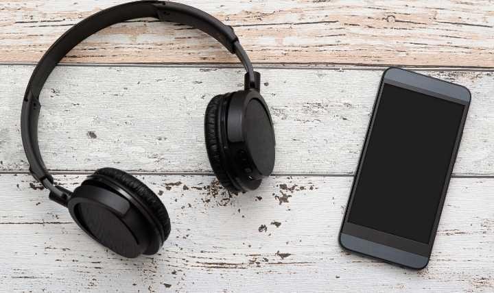 NFC vs Bluetooth: NFC und Bluetooth bieten zuverlässige Kommunikation zwischen Geräten über kurze Entfernungen.  Dies ist die einzige Ähnlichkeit.  Darüber hinaus sind sie sehr unterschiedlich.
