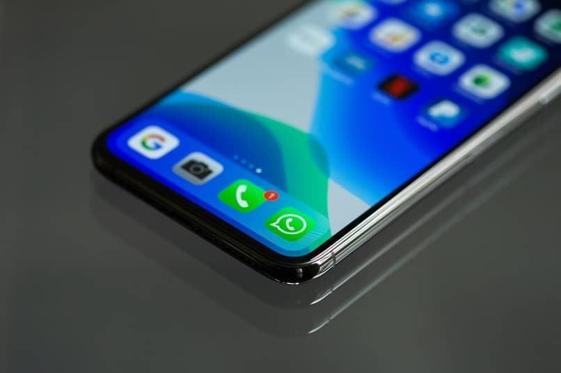 So erneuern Sie WhatsApp auf Mobilgeräten