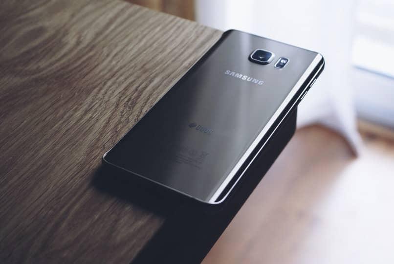 Schritte zum Aktivieren oder Deaktivieren der Taschenlampe auf dem Samsung-Handy
