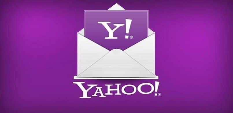 Magenta Hintergrund auf Yahoo
