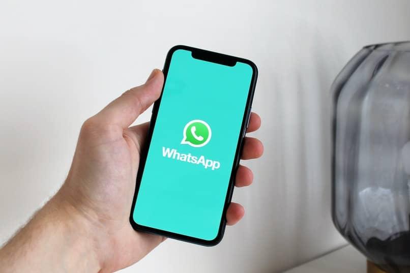 WhatsApp auf Handy oder PC herunterladen