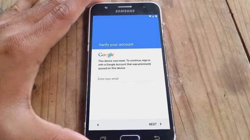 Löschen Sie das Google Mail-Kontomodell Samsung J7