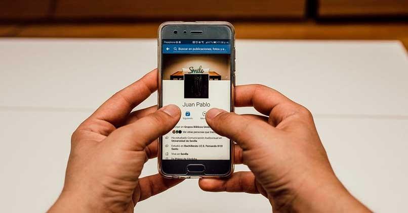 Ändern Sie den Facebook-Namen und das Passwort Ihres Mobiltelefons