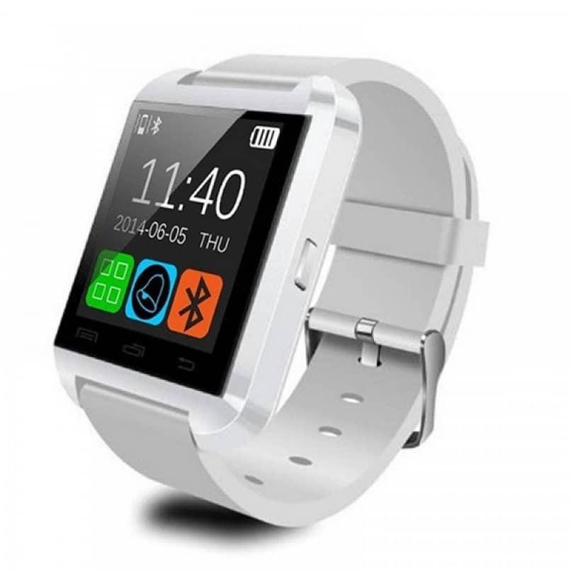 weiße Smartwatch
