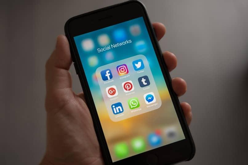 Instagram-Facebook-Twitter-Link für gleichzeitige Veröffentlichungen
