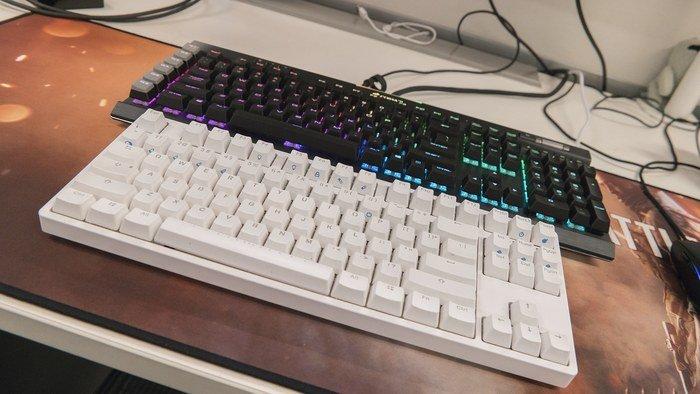 3 Interessante Anwendungen für mehrere Mäuse und Tastaturen auf dem PCC Das Anschließen mehrerer Mäuse und Tastaturen an Ihren PC ist nicht so albern, wie es sich anhört.  Hier sind 3 großartige Anwendungen für mehrere Tastatur- / Maussätze auf Ihrem PC.