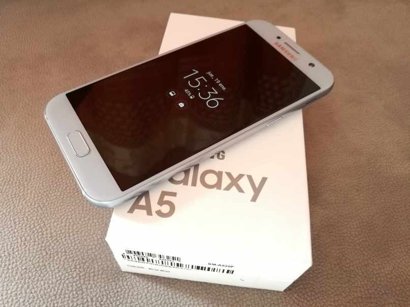einschalten Handy-Taschenlampe aktivieren Samsung A5 neu