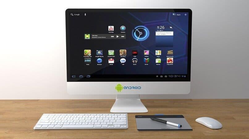 Android-Computer auf einem Tisch