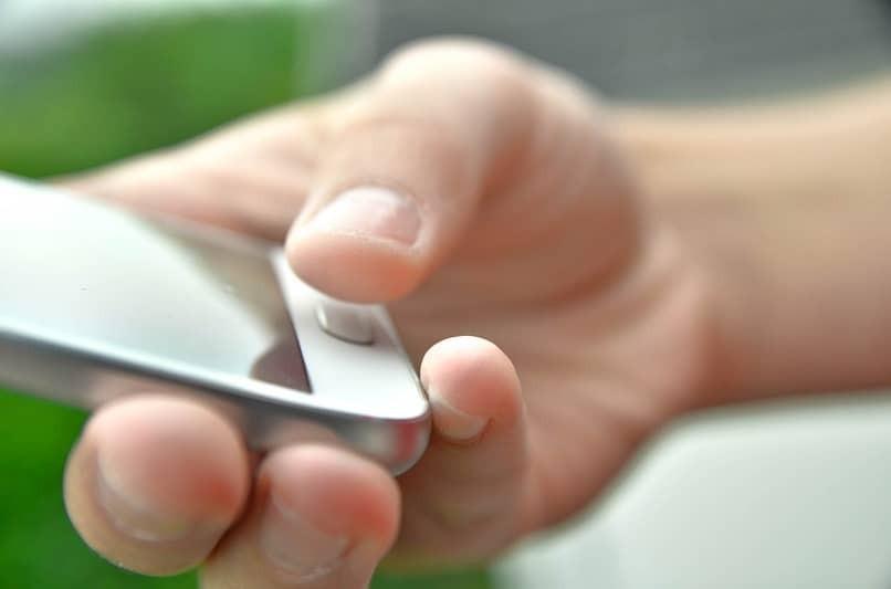 Passen Sie die Helligkeit des mobilen Bildschirms an