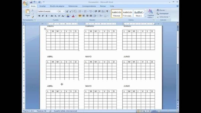 Erstellen Sie Kalender mit Microsoft Word