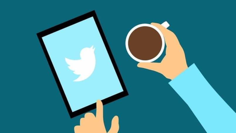 So laden Sie ein GIF auf Twitter von Ihrem Handy oder PC herunter
