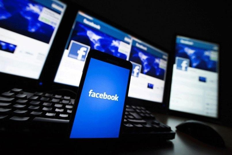 Kombiniere zwei Facebook-Profile