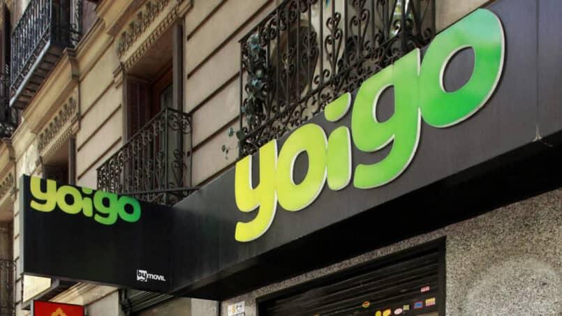 Gebäude mit Yoigo-Logo