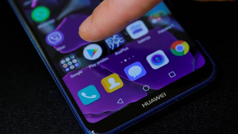 Huawei Mobile Home-Bildschirm mit Play Store-Symbol