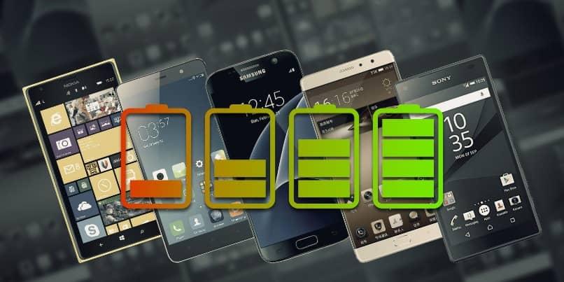 Ladesymbole mit mehreren Smartphones