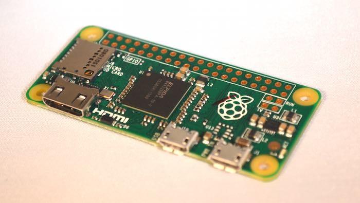 Was Sie über das Ausführen von Retropie auf dem Raspberry Pi Zero wissen müssen Die neue abgespeckte Version des Raspberry Pi kann Retropie ausführen, aber es gibt einige Dinge, die Sie über die Verwendung als Retro-Gaming-Computer wissen sollten.